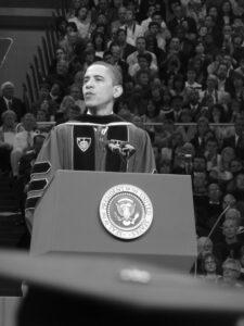 In den USA sind Reden zum Schul- und Uniabschluss wichtige Ereignisse. Bei amerikanischen Abschlussreden kann man sich einiges abgucken. Hier gibt es die sieben besten Beispiele.